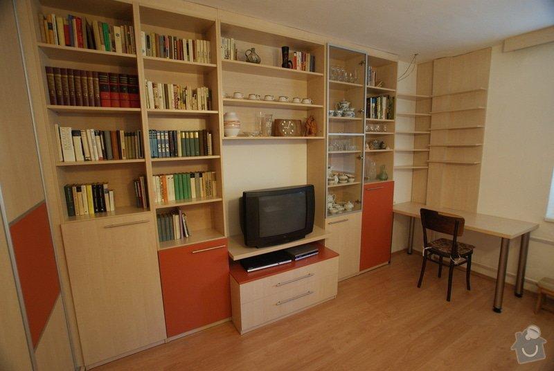 Obývací pokoj-knihovna, vestavěná skříň, pracovní místo, konf. sůl: DSC00717