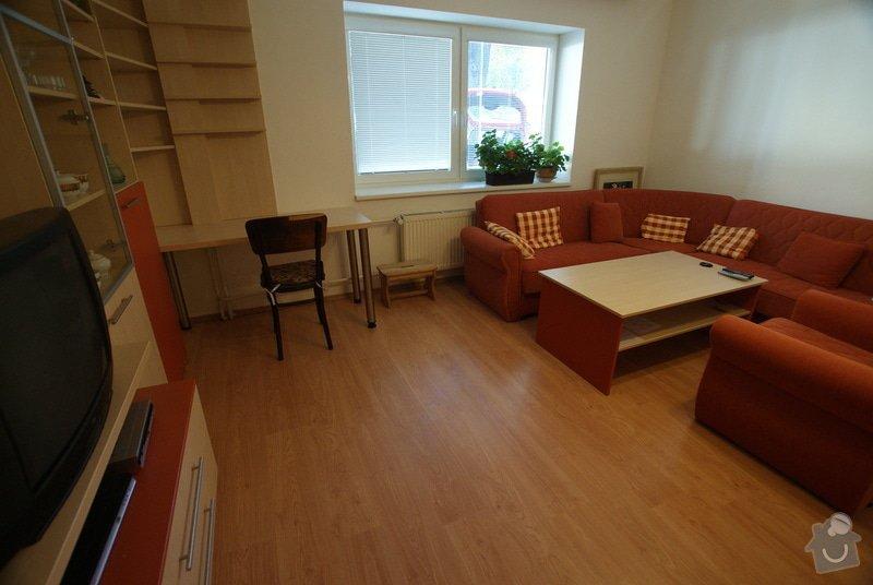 Obývací pokoj-knihovna, vestavěná skříň, pracovní místo, konf. sůl: DSC00718