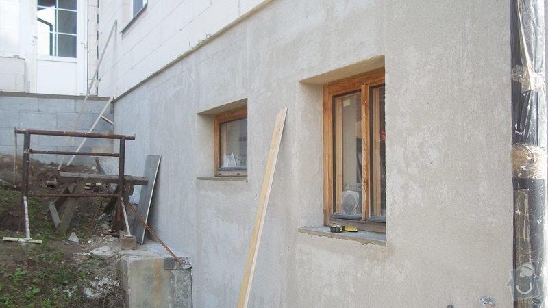 Zahradní schodiště z palisád, obrubníků a zámkové dlažby: 100_0484