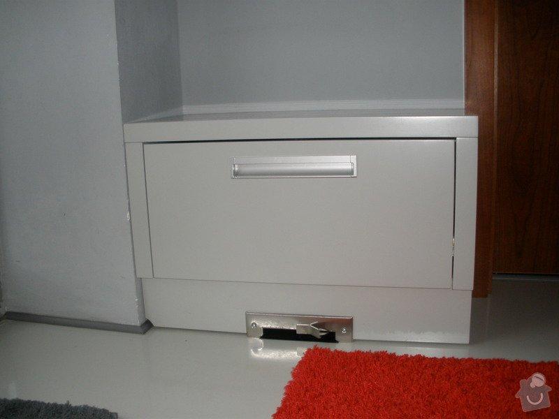 Výroba nábytku na míru: PC140034