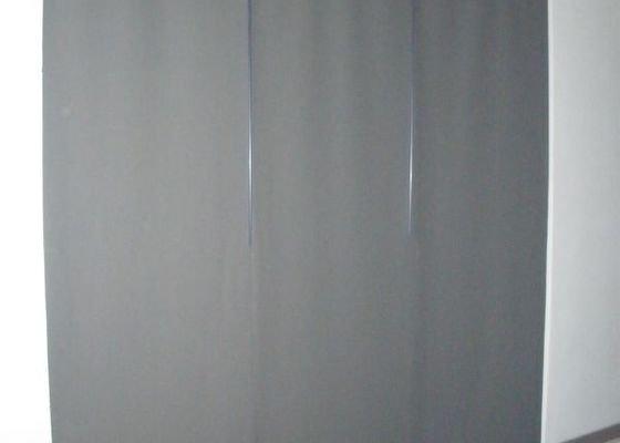 Japonská posuvná panelová stěna