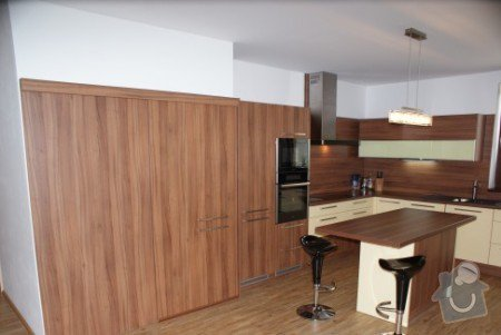 Kuchyňská linka a jídelní sestava: Kuchy_lamino_o_ech-_lut_1