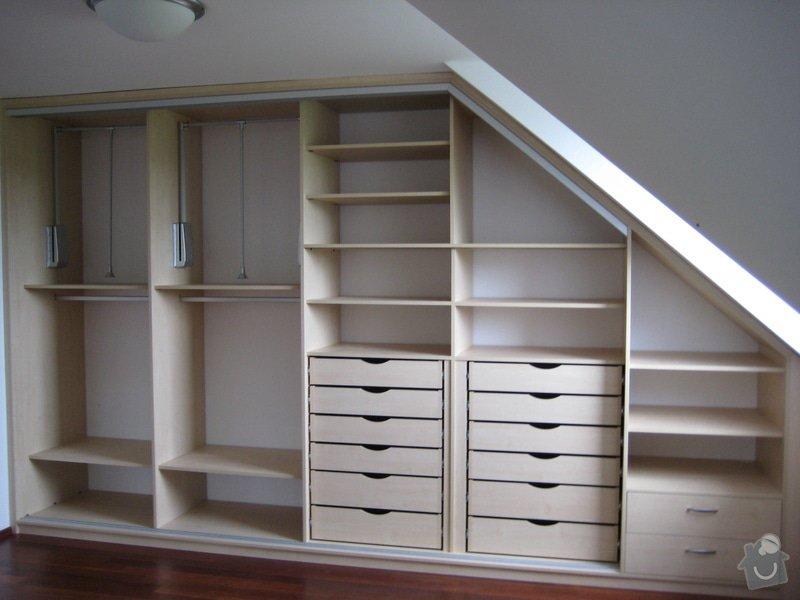 Vestavné skříně v podkorví: IMG_1482