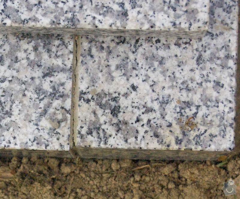 Zhotovení hrobu: _DSC5694
