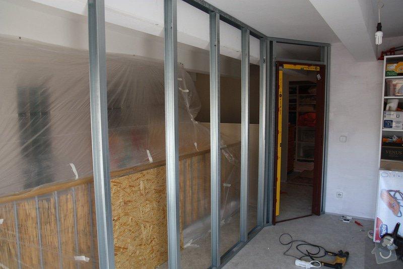 Sádrokartonová příčka včetně zárubní pro dveře: stavba01