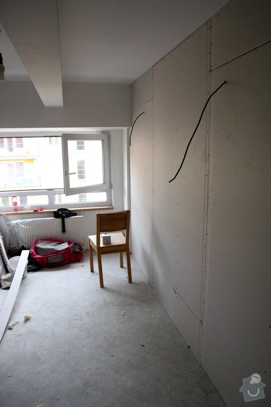 Sádrokartonová příčka včetně zárubní pro dveře: stavba03