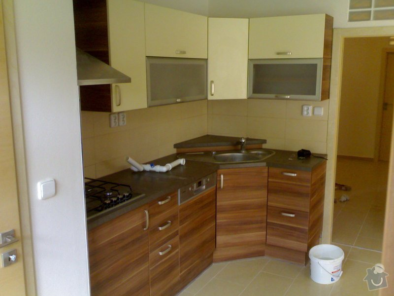 Rekonstrukce bytu: kuchy_4_po