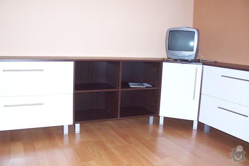 Výroba obývací stěny: 100_3841