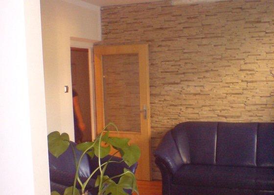 Malování, sádrokartonový strop s bodovkami, sádrokartononová příčka