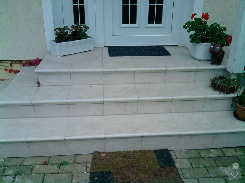 Plot z ztraceného bed. + obložení schodů: P290910_16.52