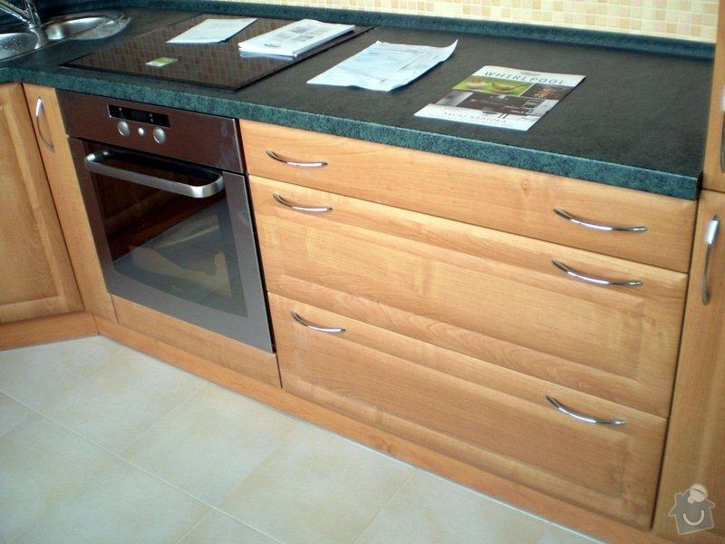 Návrh, dodání a montáž kuchyně: P7204222