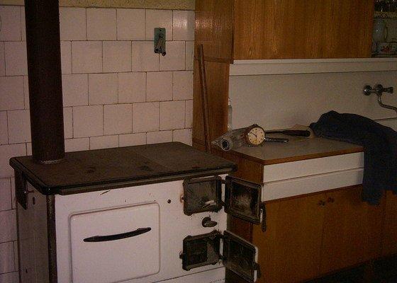 Modernizace kotelny, úprava vodo a elektroinstalace, obložení kuchyně