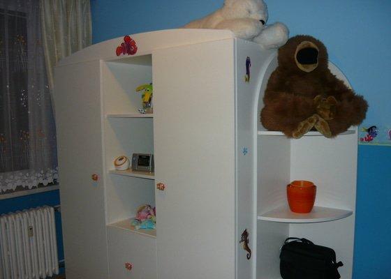 Podlaha, dětský nábytek