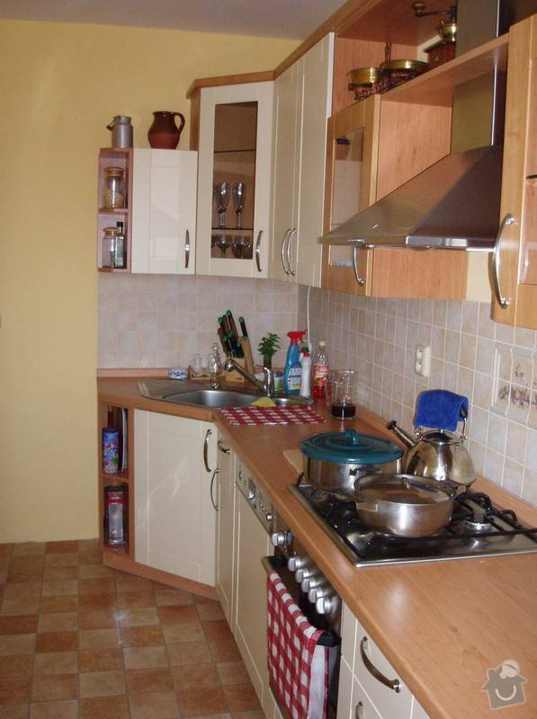 Příprava kuchyně na montáž nové linky: po1