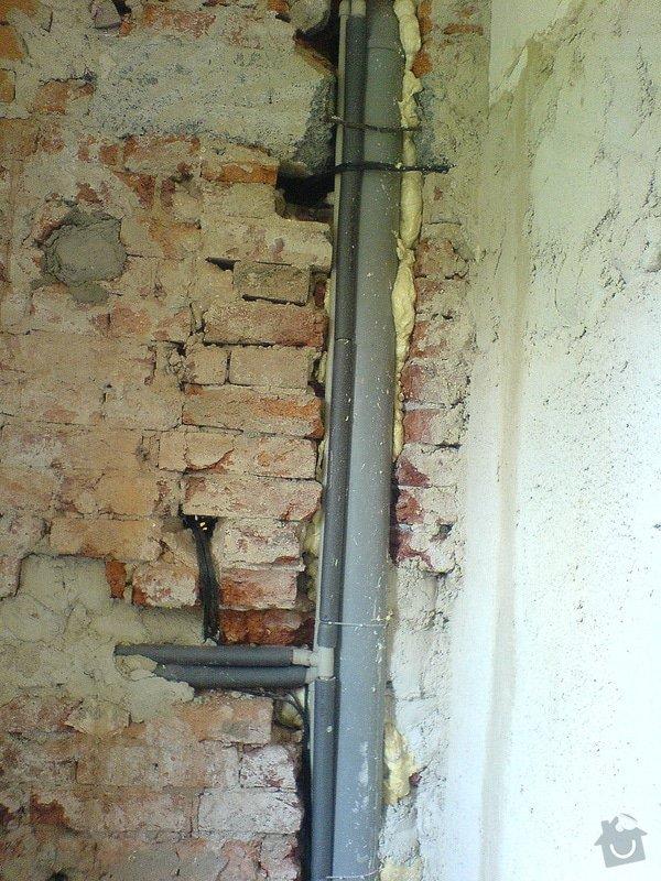 Výměna rozvodů teplé vody, studené vody, odpadů a otopného systému + výměna radiátorů a instalace vodního čerpadla: DSC00328