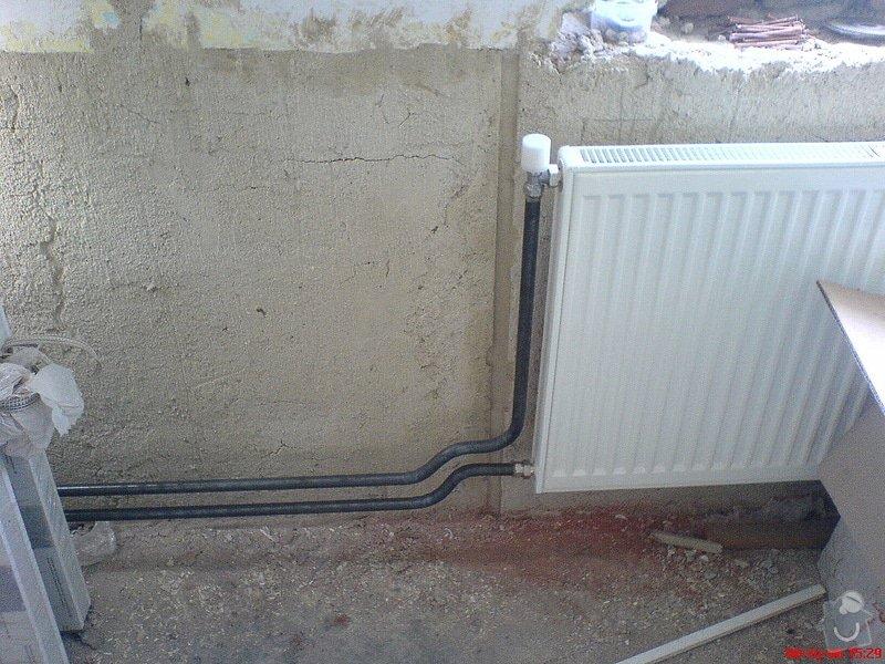 Výměna rozvodů teplé vody, studené vody, odpadů a otopného systému + výměna radiátorů a instalace vodního čerpadla: DSC00561