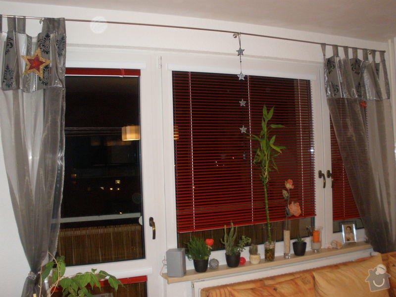 Dodávka a montáž PVC oken REHAU,parapetů,žaluzií včetně zednických prací: P2060091
