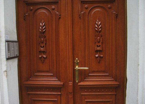 Restaurování vstupních dveří