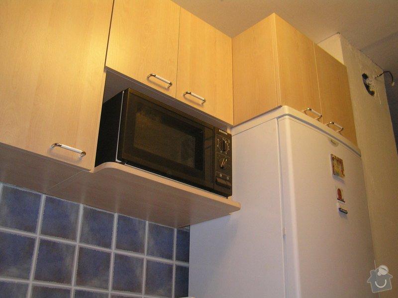 Kuchyňský kout do U: kuch36