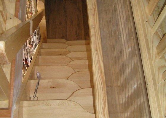 Mlynářské schody s poklopem