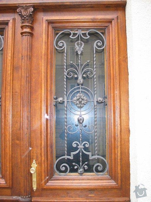 Restaurování dveří činžovního domu: 100_0005