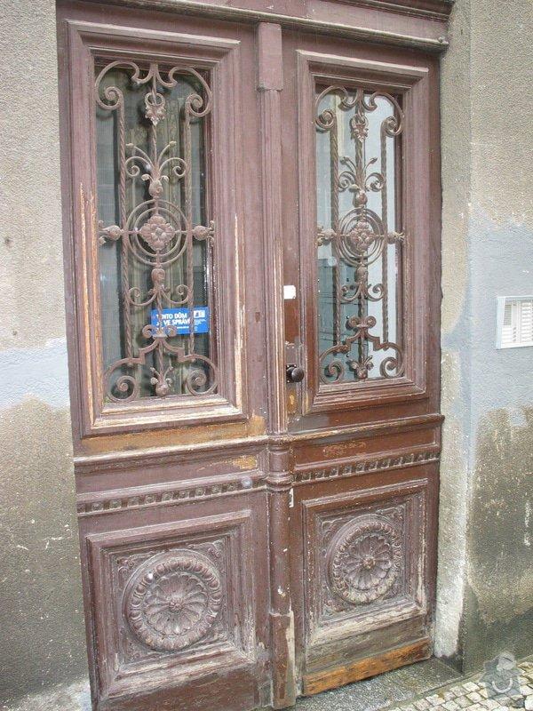 Restaurování dveří činžovního domu: 100_0075