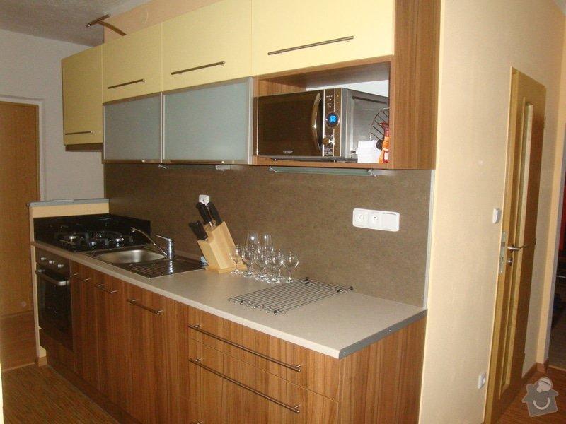 Kuchyňská linka a spížka: spolecne_001