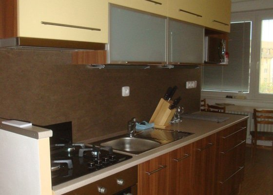 Kuchyňská linka a spížka