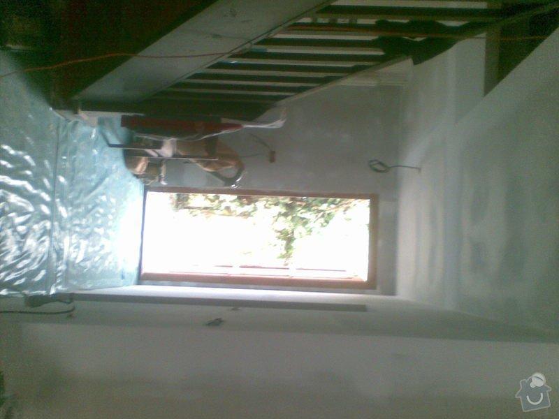 Instalace sadrokartonového podhledu a příček, dodávka a pokládka průmyslové mozaiky Merbau: 082