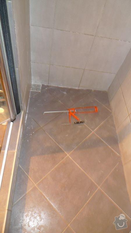 Oprava spáry v koupelně: P1020865