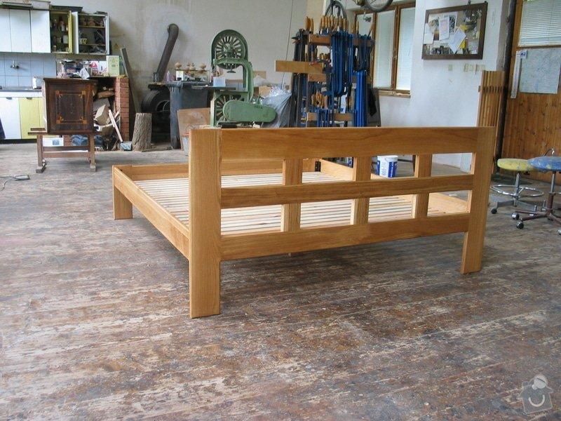 Manželská postel z masivního dřeva: 100_0073