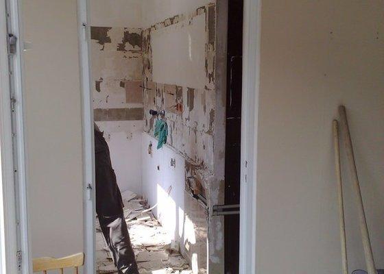 Rekonstrukce panelového bytu vč.soc.zař.