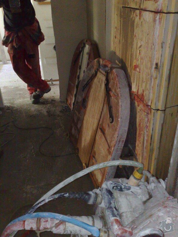 Rekonstrukce panelového bytu vč.soc.zař.: 071020092726
