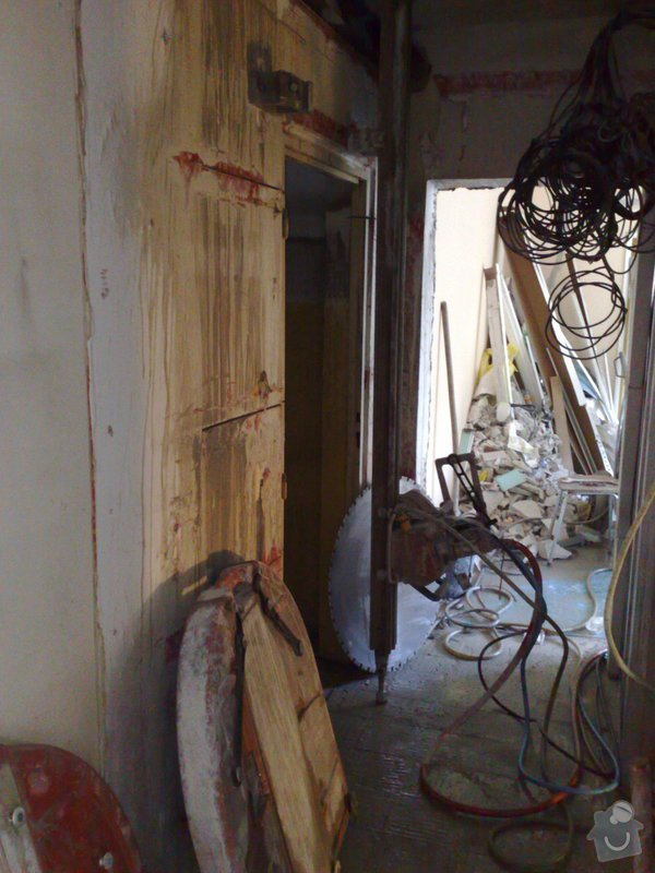 Rekonstrukce panelového bytu vč.soc.zař.: 071020092728