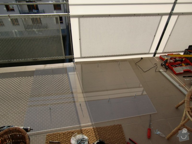 Zábrany na balkón: deska_pripravena_na_montaz
