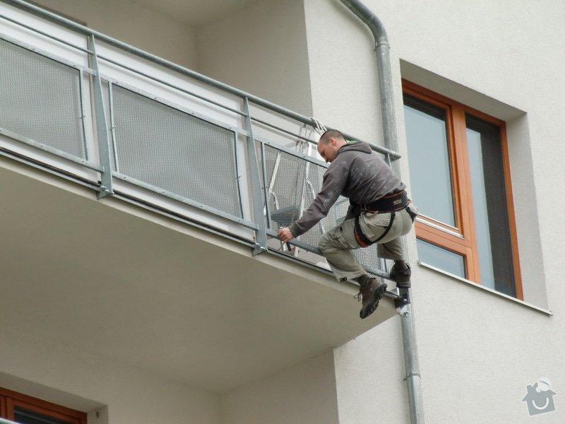 Zábrany na balkón: dotahovani_spodni_rady