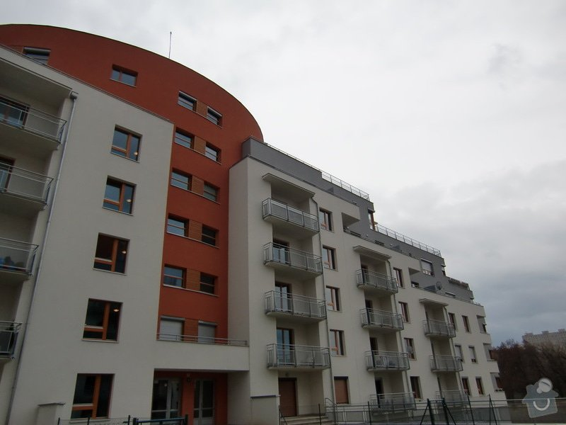 Zábrany na balkón: cely_objekt_po