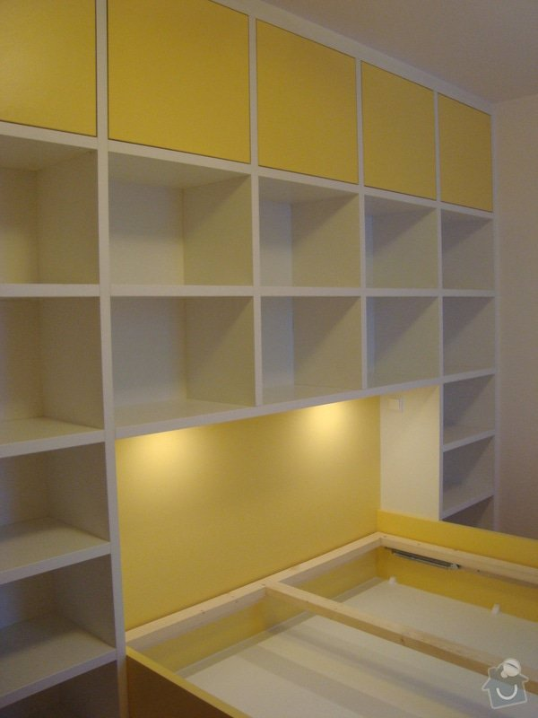 Ložnice / vestavěná skříň na míru: DSC08454