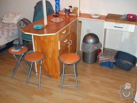 Renovace panelákových dveří, minibar - kuchyňský kout ze zbytků starých skříní: minibar_ze_star_ch_zbytk_sk_n_