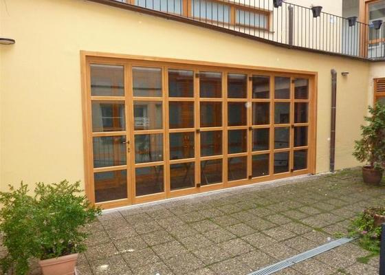 Dveře - posuvná stěna masív s izolačním dvousklem