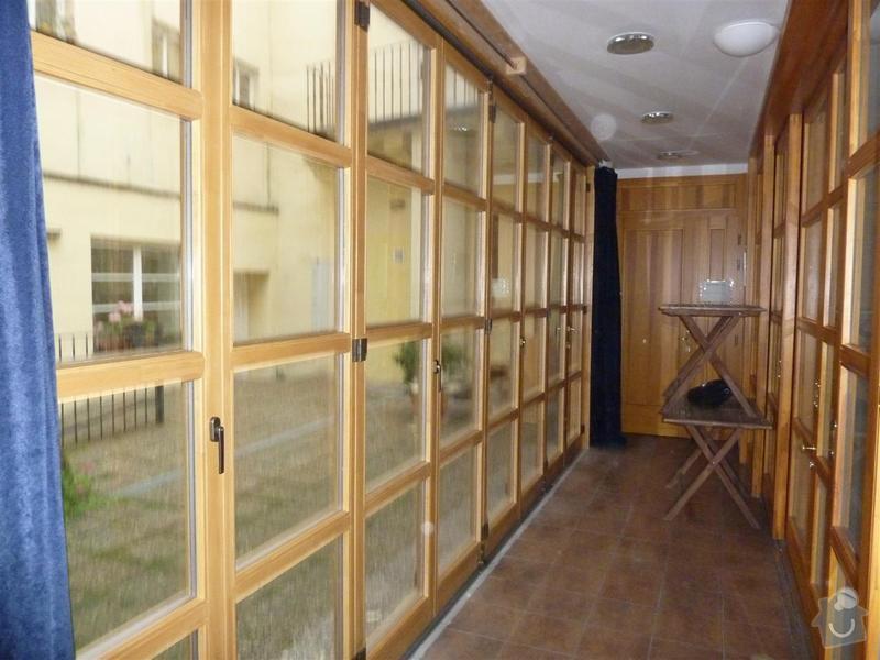 Dveře - posuvná stěna masív s izolačním dvousklem: P1030462_Large_