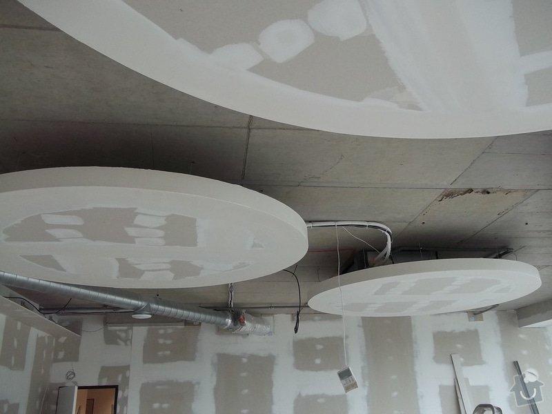 Kruhové podhledy v kanceláři: 104_0750