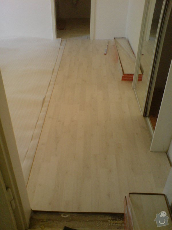 Pokládka laminátové podlahy: DSC02147