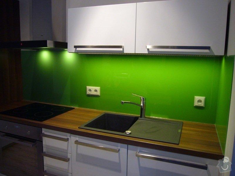 Skleněný obklad na záda kuchyně: P1140512