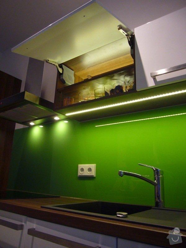 Skleněný obklad na záda kuchyně: P1140516
