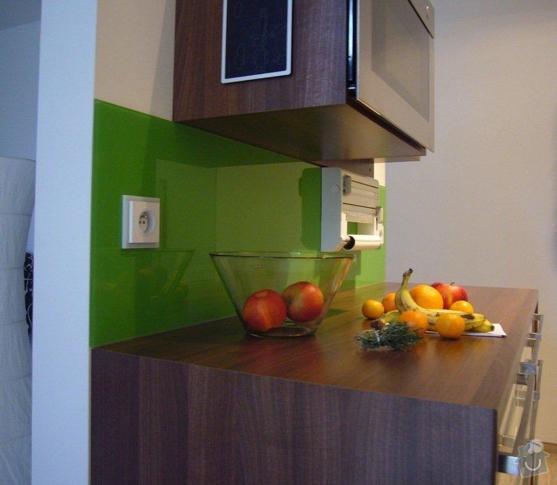 Skleněný obklad na záda kuchyně: P1140522
