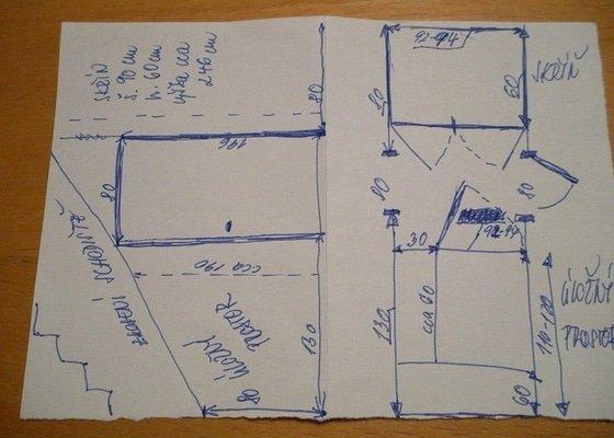 Skříň a úložný prostor pod schodištěm