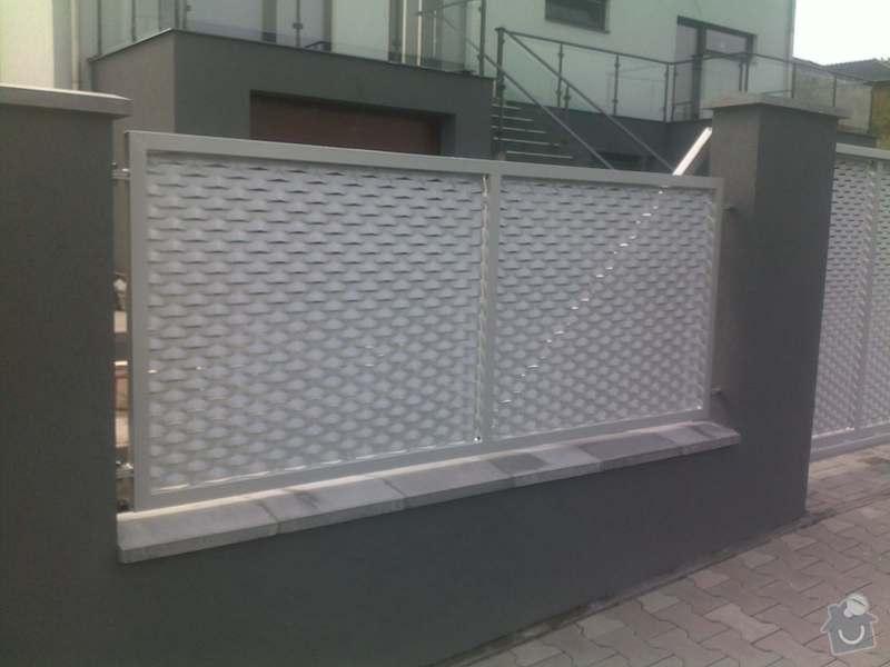 Nesené vjezdové brány, karusel na popelnici, vchodová branka, zábradlí zahradní terasy: 17082011666