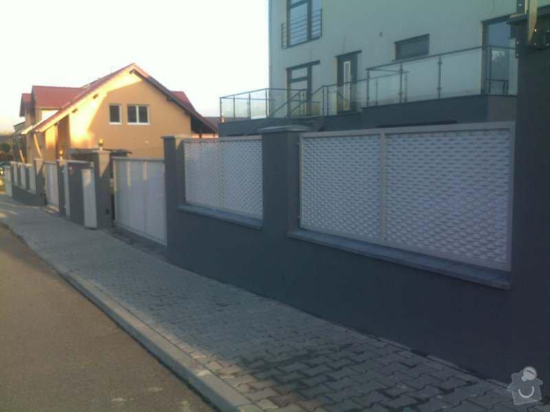 Nesené vjezdové brány, karusel na popelnici, vchodová branka, zábradlí zahradní terasy: 21102011751