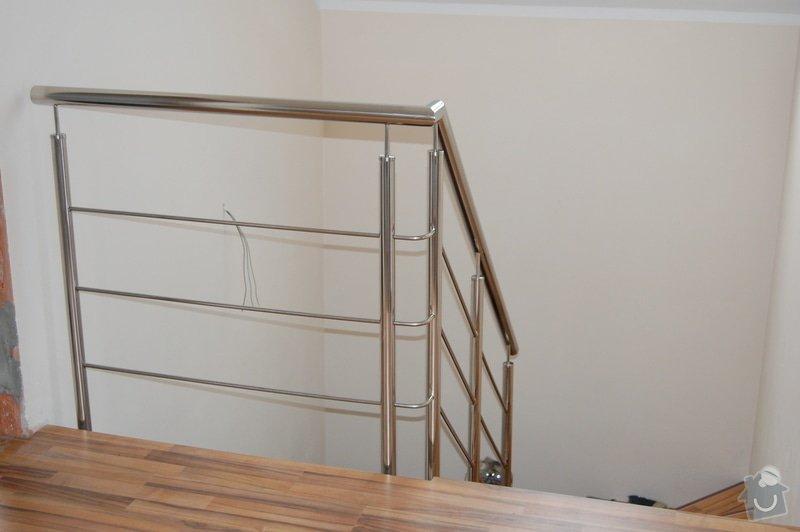 Nerezové zábradlí schodiště a Francouzského okna: DSC_5505